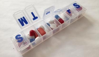 pills-organizer-pharmaceuticals-photo