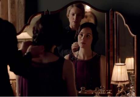 downton-abbey-4x3-mary-and-anna-460x320